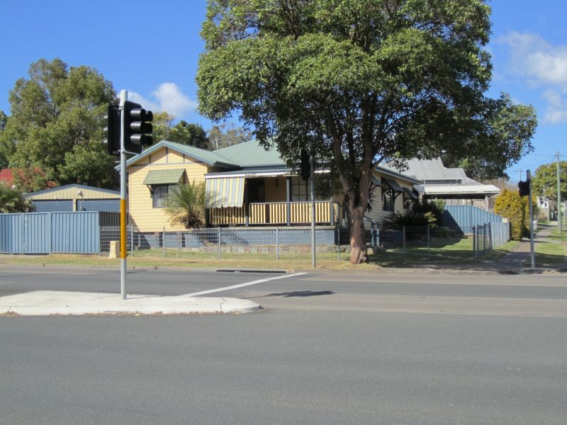 Large Family Home Centrally Located