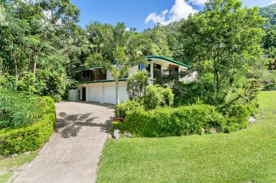 SPACIOUS FAMILY HOME OFFERING PRIVACY AND VIEWS ON 1,532SQM