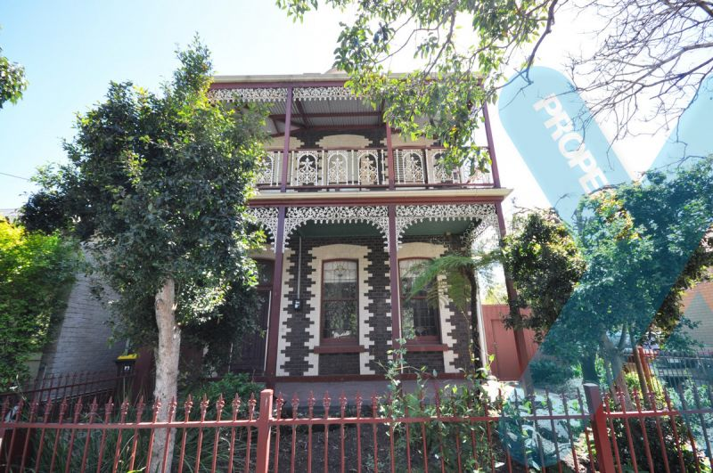 Rare Find! 5 Bedroom Townhouse in North Melbourne!