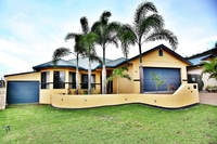"BIG PRICE REDUCTION – ALL OFFERS PRESENTED-"" LARGE EXECUTIVE HOME"" IDEAL FOR THE GROWING OR EXTENDED FAMILY"
