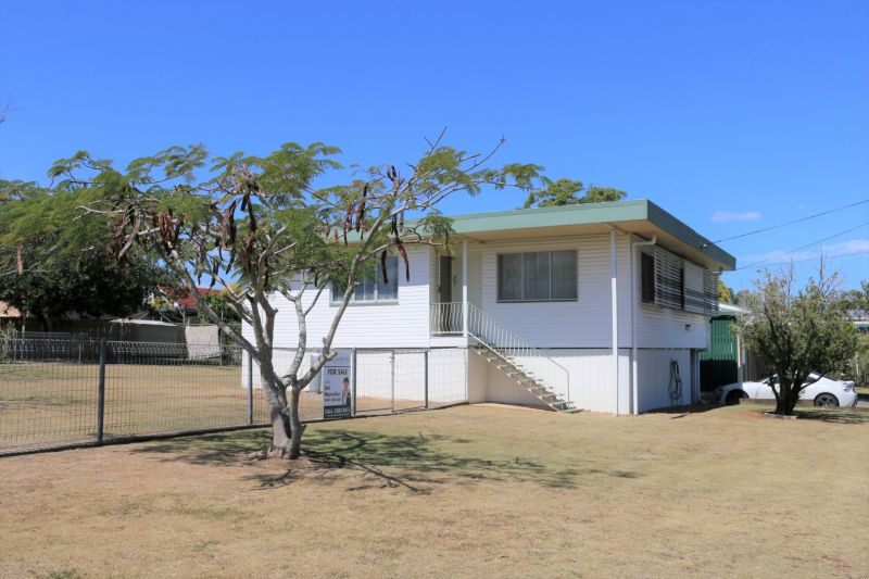 WELL-POSITIONED HOME ON 741SQM  WALK TO SCHOOLS, SHOPS AND RAIL