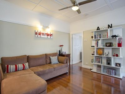 Affordable Classic in Convenient Locale!