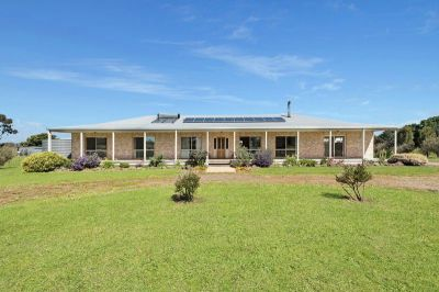 Stunning Rural Living 1.05 Ha (2.59 Acres approx.)