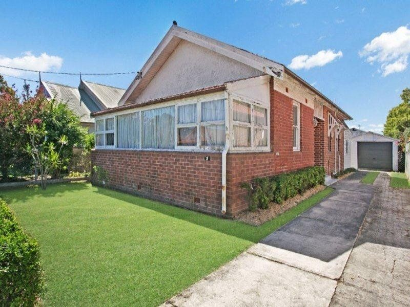 4 Darling Street, HAMILTON SOUTH