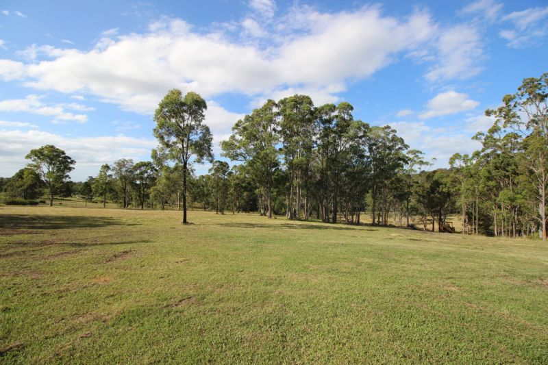 4 Bedroom Family Home on Small Acres in Sancrox near Port Macquarie