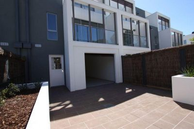 SPACIOUS THREE BEDROOM, TWO BATHROOM PLUS POWDER ROOM TOWNHOUSE