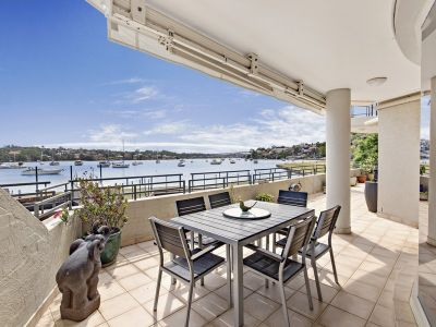 Premier size, position and phenomenal bay views