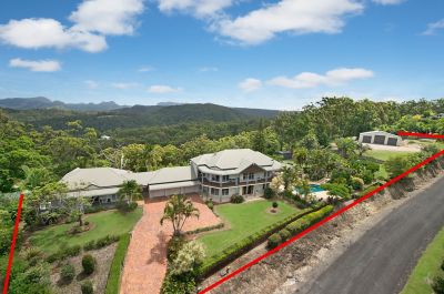Bonogin Hilltop Splendour... Dual Family Living!