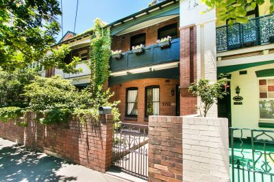 Grand Family Sized Terrace In A City Fringe Hotspot