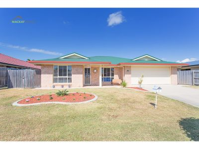 LARGE FAMILY HOME, WITH A  HUGE DOUBLE SHED & QUIET LOCATION!