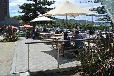 PRIME DECK SPACE IN CENTRAL LORNE