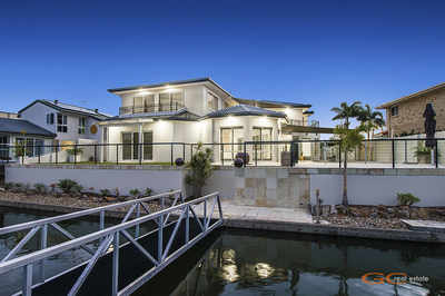 LARGE NORTH EAST FACING WATERFRONT HOME