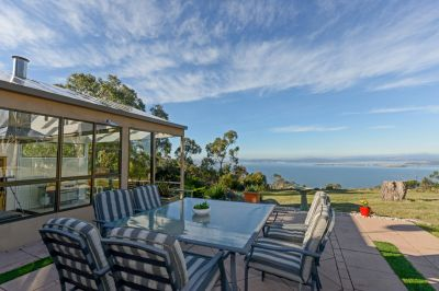 229 Albion Heights Drive, Kingston