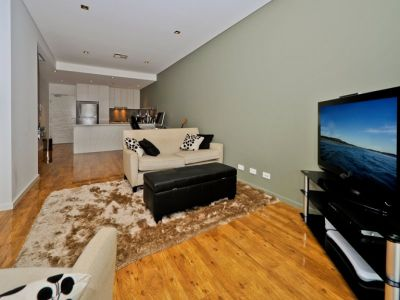 As New Contemporary 1Br + Parking