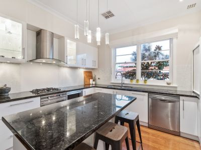 GORGEOUS RENOVATED CHARACTER HOME ON INGLEWOOD BORDER!