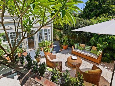 Tranquil garden retreat in lifestyle locale