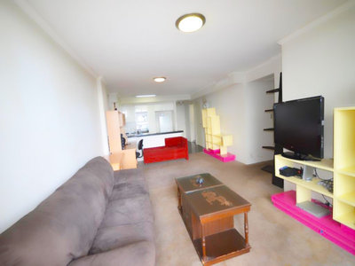 1 Bedroom Luxury Apartment in Chatswood, with Great Views of the Blue Mountains - Possibly the Best in the Building. Golden Opportunity