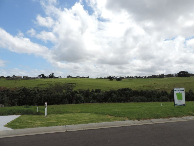 GREAT VALUE LAND WITH RURAL VIEWS