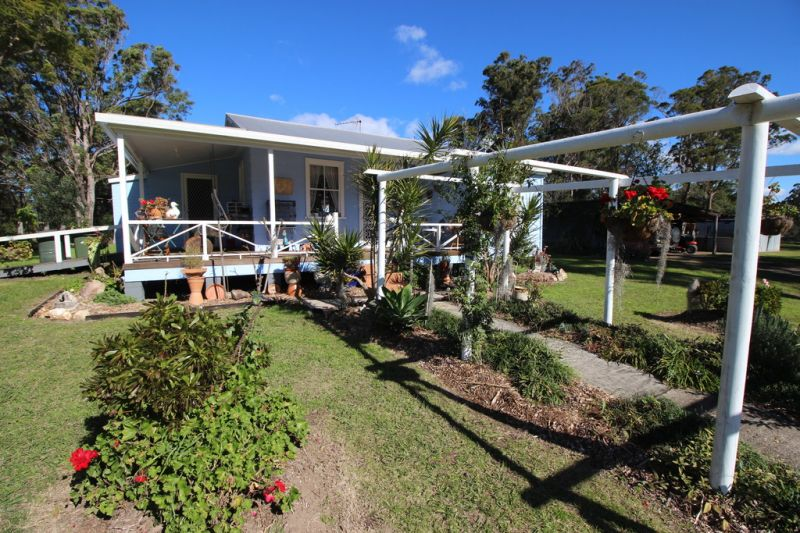 Country Cottage 3 Bedroom House on Large Block at Beechwood near Wauchope & Port Macquarie