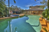 Exceptional Family House, Borders Manly Dam Reserve