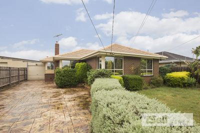 Perfect 3 bedroom home close to Parkmore Shopping Centre!