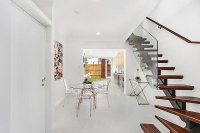 Superbly Renovated End Terrace Metres To Oxford St