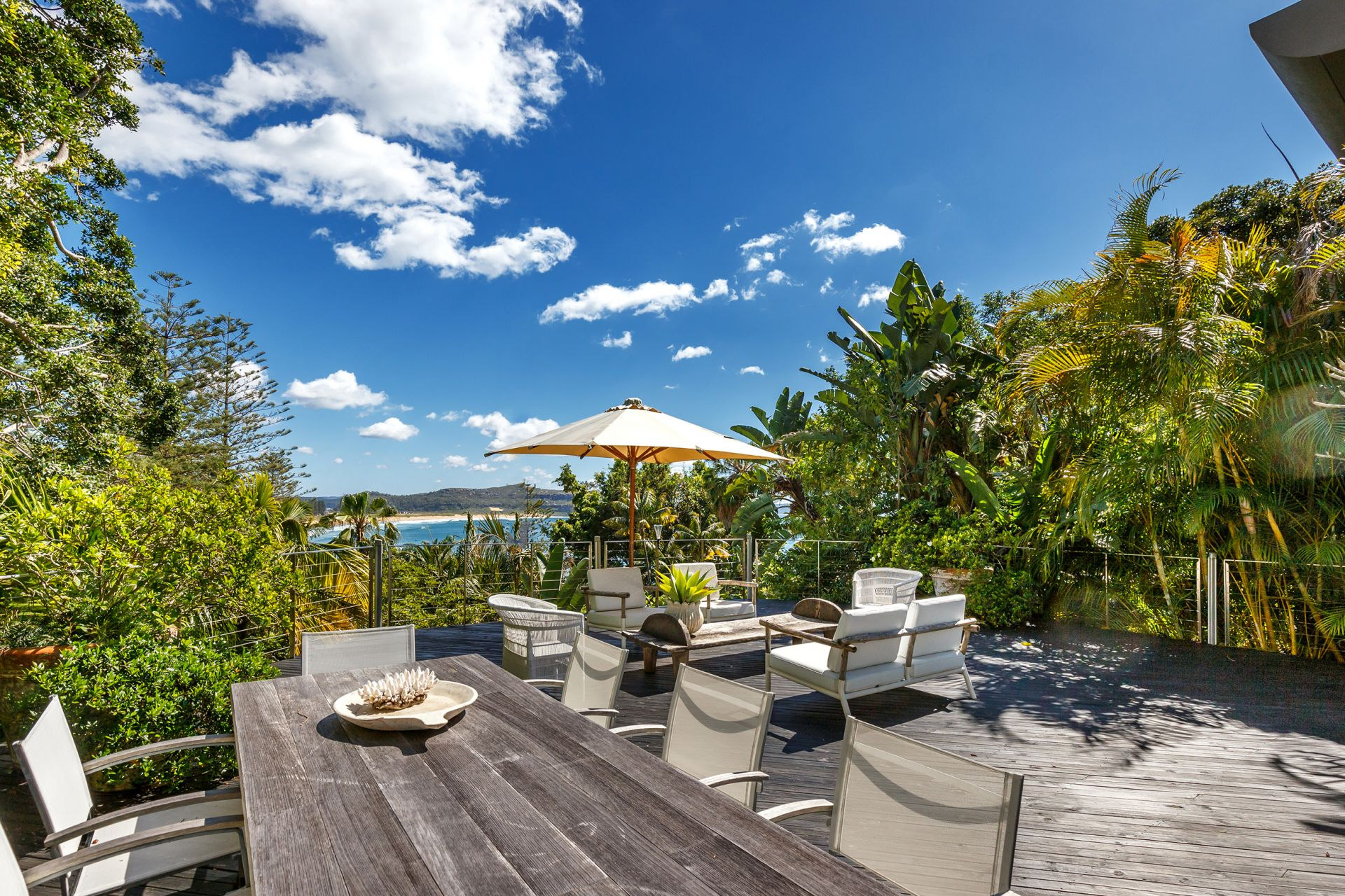 Additional photo for property listing at Breathtaking due-north views 28 Florida Road Palm Beach, New South Wales,2108 Австралия