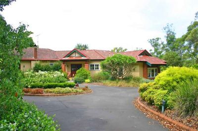 gorgeous country residence on 4.5 acres with separate guest accommodation  a nature lovers paradise.