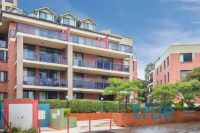 SUNLIT AND IMMACULATE APARTMENT IN SOUGHT AFTER LOCATION