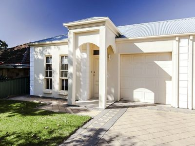 Gorgeous Torrens Title Courtyard Villa Freestanding Living with The Only Join Being At The Garage Formal Plus Informal Living - 3 Br's - 2 bathrooms