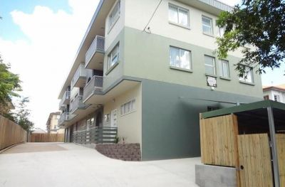 Courtyard Apartment - Great Value, Air Conditioned