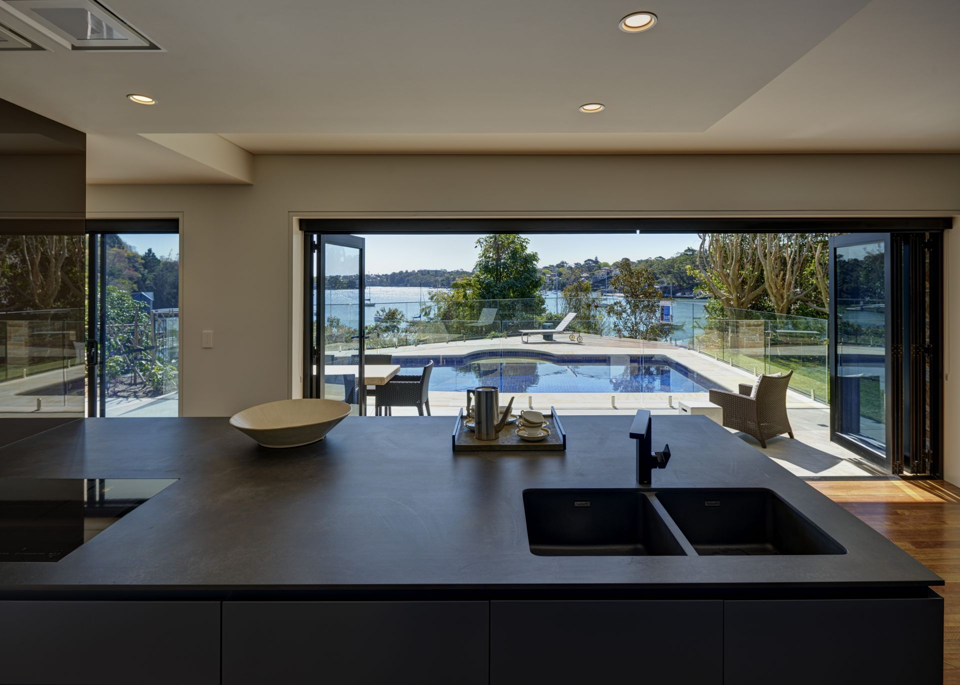 Additional photo for property listing at Secluded waterfront reserve luxury 6 Collingwood Street  New South Wales,2110 Австралия