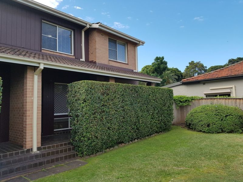 Exceptionally Private and Spacious 3 Bedroom Townhouse!