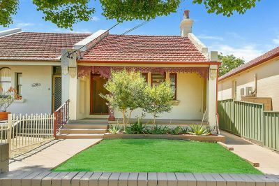 FULLY RENOVATED VICTORIAN CHARMER