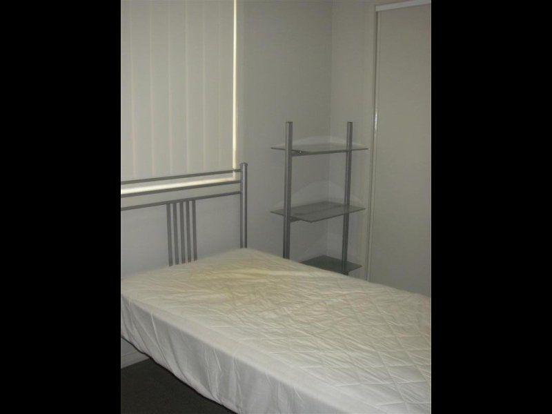 Room 5/42 Angus Avenue, WARATAH