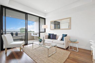 Luxury 1 bedroom plus study