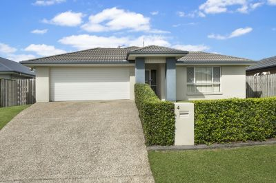 4 Lanier Close, Oxenford