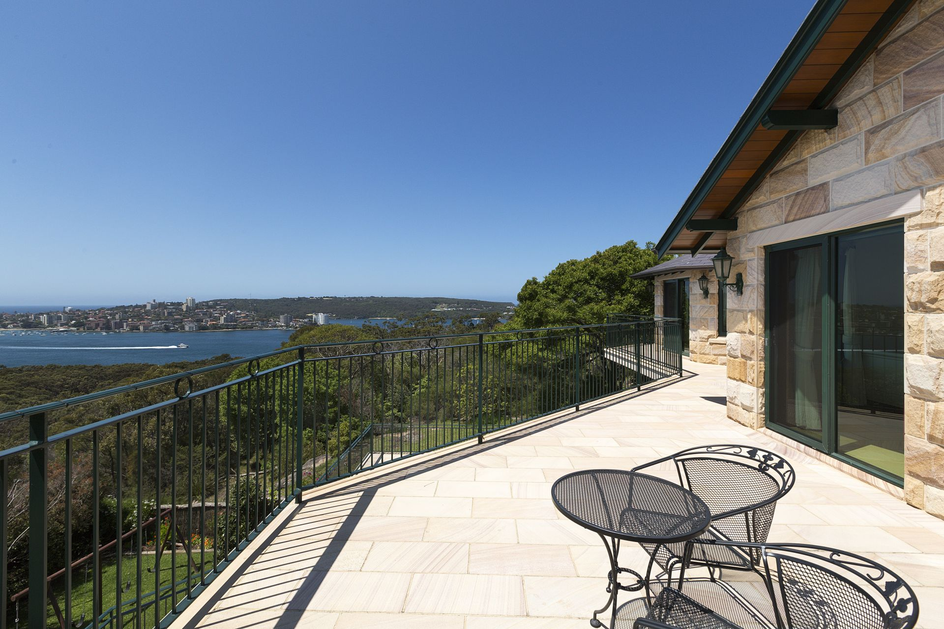 Maison unifamiliale pour l Vente à A family estate of immense privacy with panoramic harbour and Ocean views Balgowlah Heights, New South Wales,2093 Australie