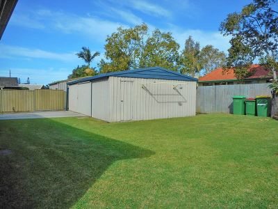 Great 622m2 block with huge shed!