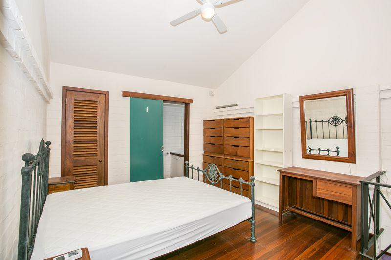 2/31 Pakenham, Fremantle