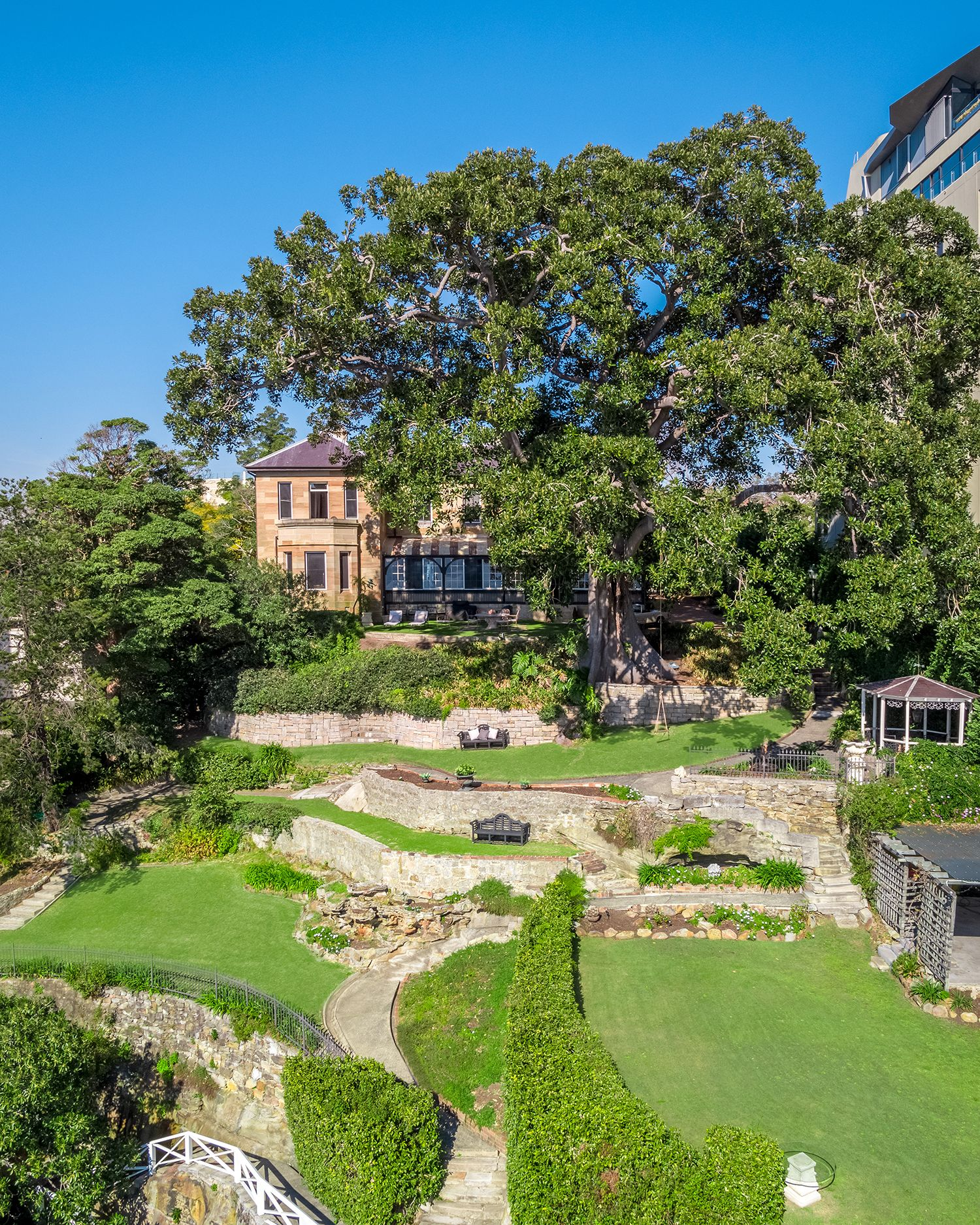 Additional photo for property listing at 'Tresco' historic, lovingly preserved waterfront estate  Elizabeth Bay, New South Wales,2011 Australia