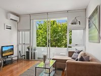 CROWN ST DARLINGHURST 1 BED 1 BATH F/F UNIT, AIR CON IDEAL CITY PAD.