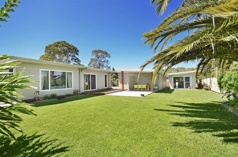 Modern 4 Bedroom Home with Studio In Port Macquarie- Auction