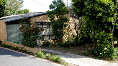 Situated within Mount Waverley School Zone!