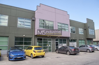 126sqm Modern Office & Warehouse