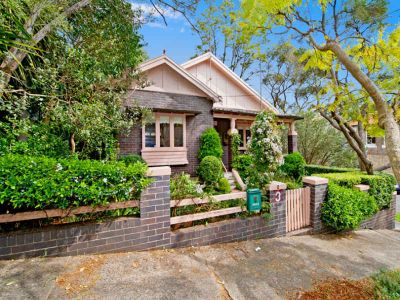 Gorgeous North facing freestanding home in idyllic parkside culde sac.