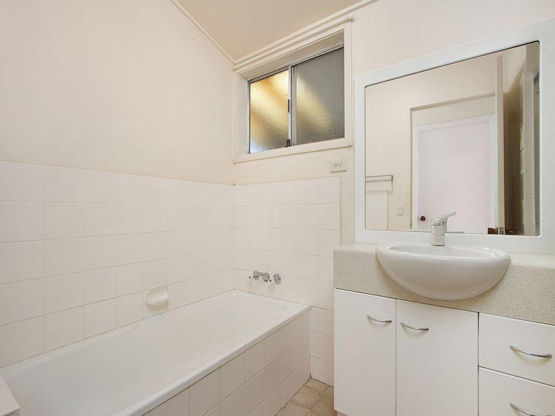 26 Gubberley Street Kenmore 4069