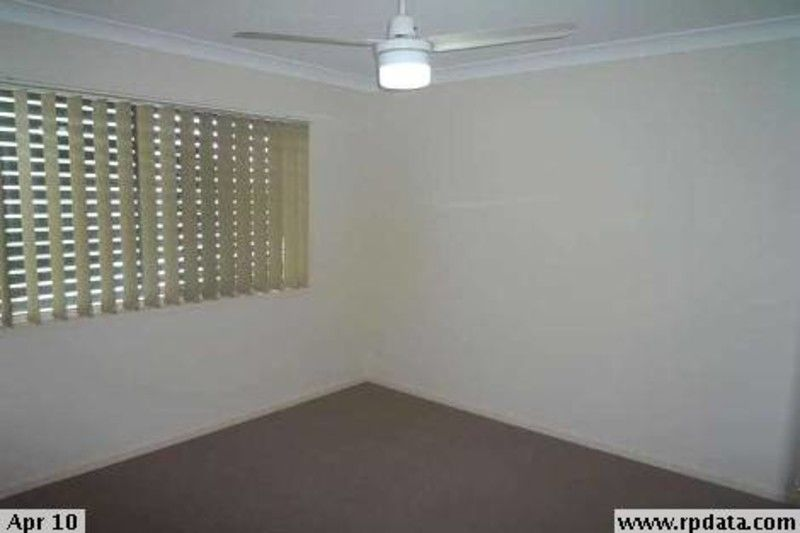 PEREFCTLY APPOINTED TOWNHOUSE CLOSE TO ALL AMENITIES