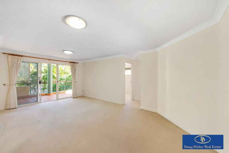 Large Private 2 bedder in Ideal Location