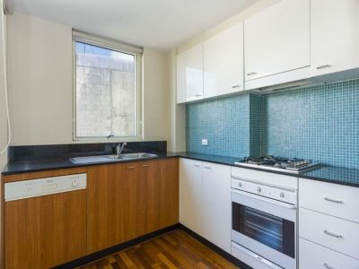 Convenient & Spacious dual level apartment